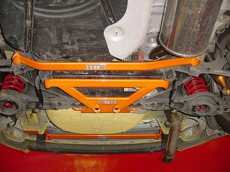 J-M3-12R Распорка (поперечины) крепления нижних рычагов задней подвески (Ford Focus 2) .